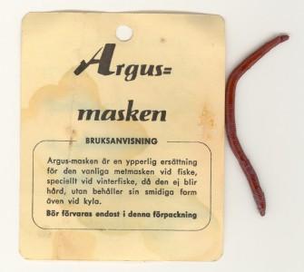 A1646_Argusmasken_sid1_1200